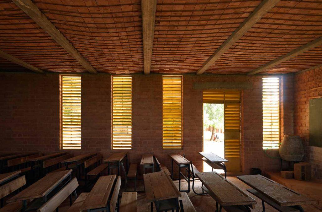 Una Scuola In Terra Cruda Autocostruzione In Africa