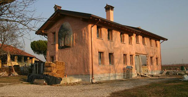 Casa in paglia costi pannelli termoisolanti for Costo di costruzione casa
