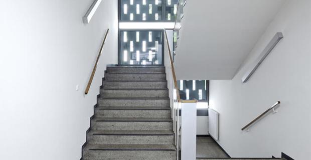 Rinnovamento energetico di un edificio storico scolastico a monaco - Pulizia interna termosifoni alluminio ...