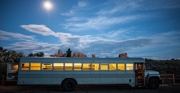 studente-scuolabus-casa-a