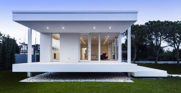 Casaclima classe a la casa sollevata dal suolo che non for Architettura moderna della casa