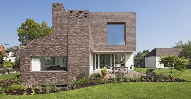 La casa in laterizio che rivisita la tradizione olandese for Casa vittoriana in mattoni