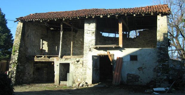 Il recupero della casa sul monte del prete for Layout della casa del fienile