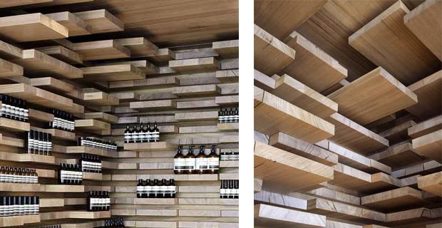 Soffitti In Legno Design : Cucina con il soffitto ed i lucernari di legno fotografia stock