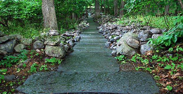 fiume-pietra-c