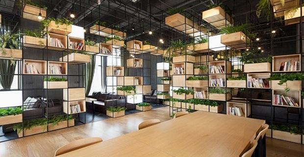 Un giardino nella caffetteria per respirare aria pulita a for Arredamento caffetteria