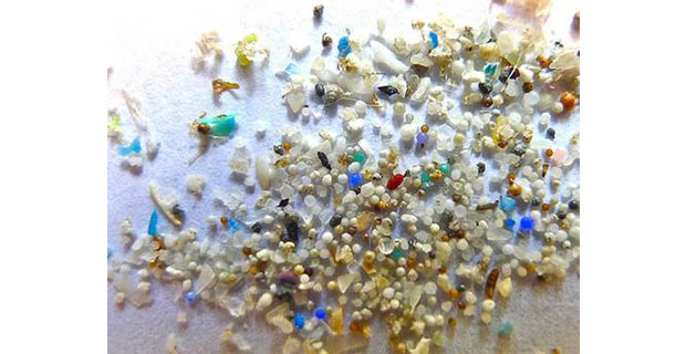 Saldare la plastica I pezzi rotti da riparare devono ...