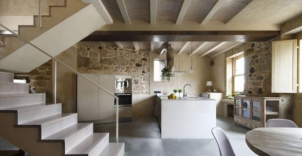 Case in pietra interni idee di design nella vostra casa for Una storia piani di casa di campagna francese