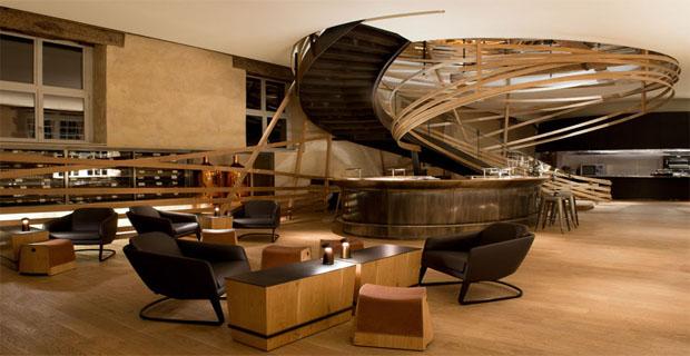 Strasburgo la scala in legno il cuore della for Piani di lusso a pianta aperta