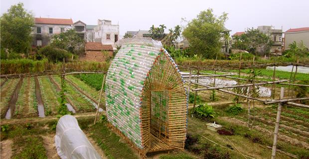 Fai Da Te Bottiglie Plastica.Bambu E Bottiglie Di Plastica Per Un Vivaio Autocostruito
