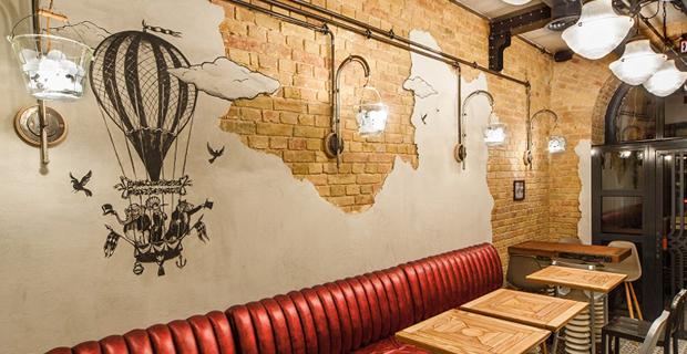 Riciclo e arredamento gli interni del bar da oggetti for Bar stile industriale