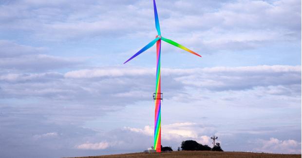 caption: Aero Art di Horst Glaker, generatore eolico dipinto