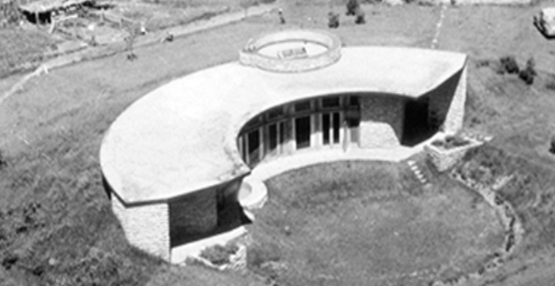 caption: Casa Emiciclo Solare, Frank Lloyd Wright, Middleton, Wisconsin, 1944