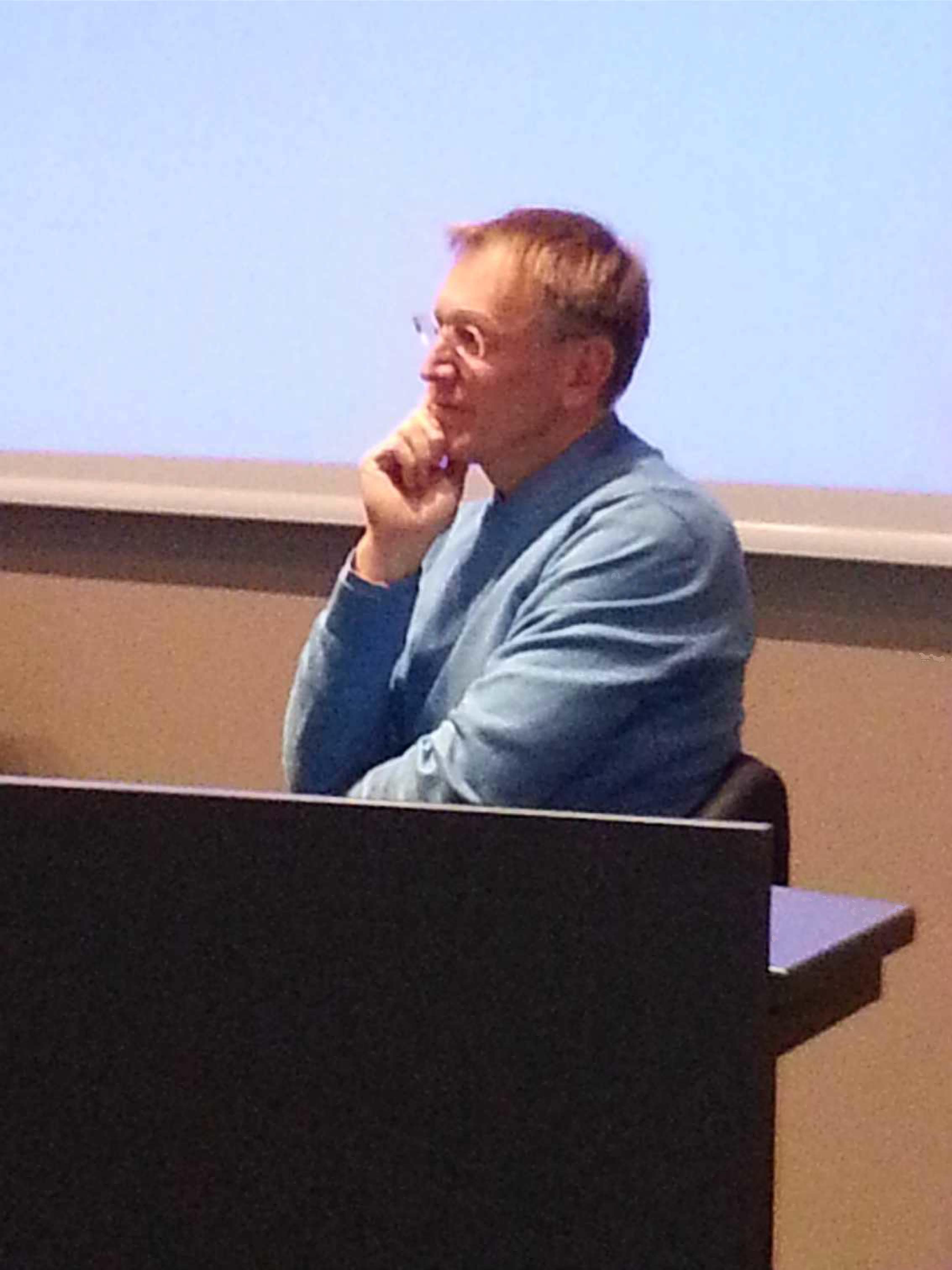 caption: Janez Potocnik durante la ronda di domande e risposte