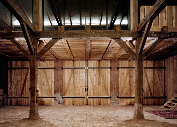 Vacanze in un fienile si recupera l 39 edificio e l for Layout della casa del fienile