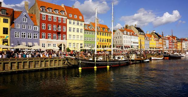 caption: Copenhagen, foto di barnyz via Flickr