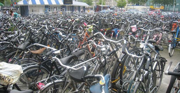 caption: Eindhoven, foto di Dan