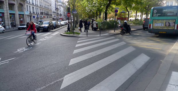 caption: Parigi, foto di Jean-Louis Zimmerman