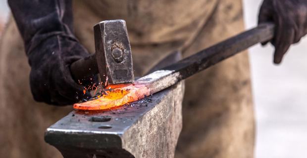 Risultati immagini per forgiare il ferro