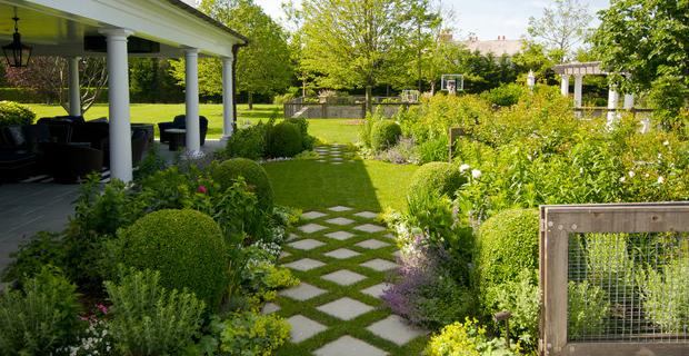 Pavimentazione del giardino idee e suggerimenti nel - Idee per realizzare un giardino ...
