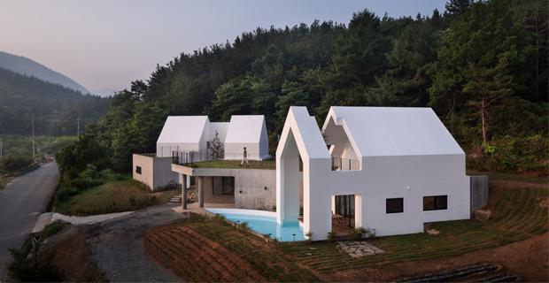 Architettura sostenibile progetti di bioedilizia e for Casa colonica vivente del sud