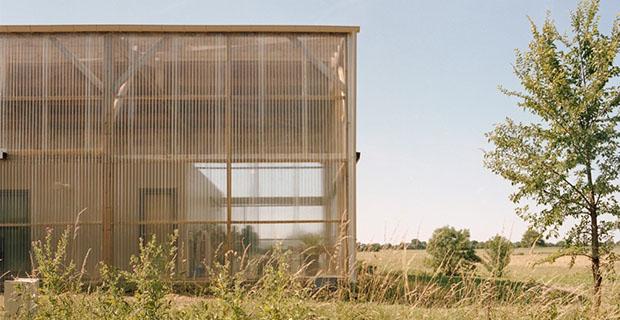 Casa Di Campagna Traduzione Francese : La casa ecosostenibile in campagna dotata di kit di autocostruzione