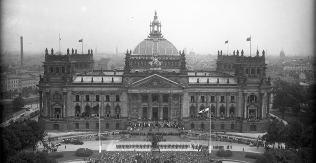 The original Reichstag building. Image © Bundesarchiv, Bild 102-13744, licensed under CC BY-SA 3.0 via Commons.