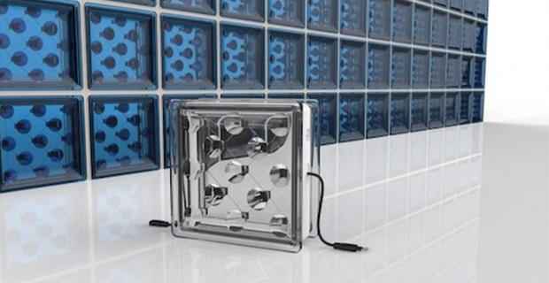 Solar Squared è il progetto che vede l'uso di mattoni in vetrocemento con fotovoltaico integrato in facciata.
