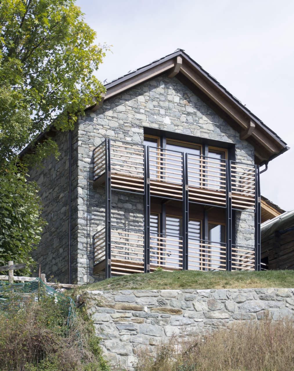 La rinascita di un vecchio rustico una casa passiva con for Casa moderna ud