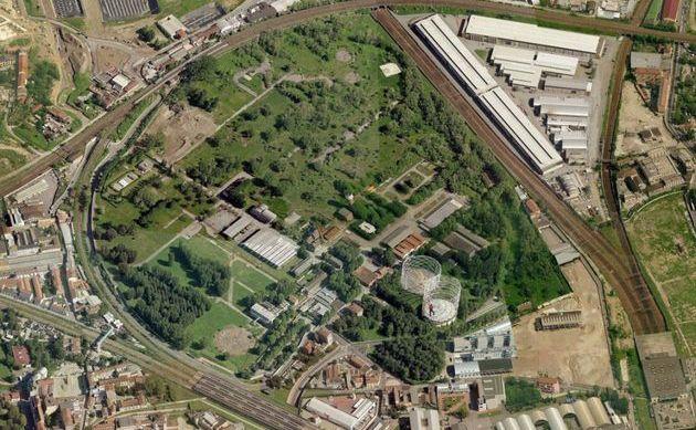 Un vista aerea del gasomentro detto la Goccia a Milano Bovisa.