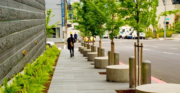 L'evoluzione di cordoli e marciapiedi in ambiente urbano.
