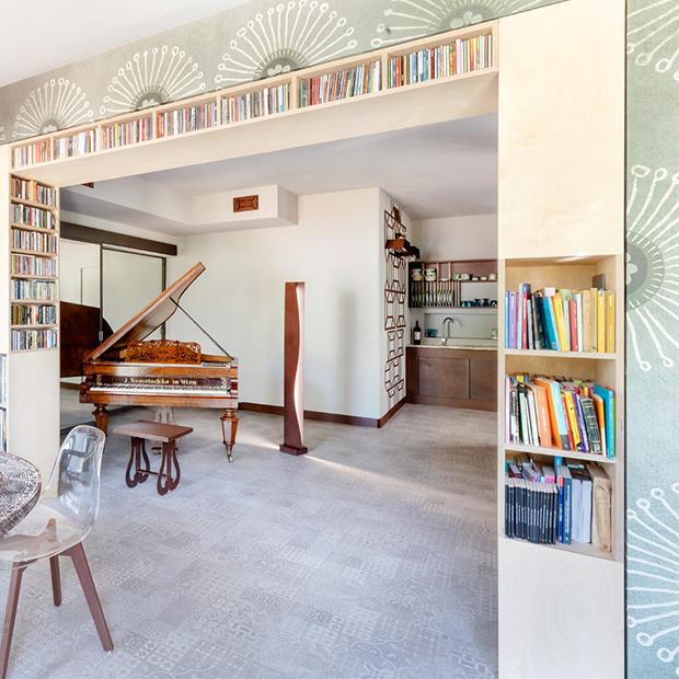 Motivi geometrici e arredi in corten in una residenza pugliese for Esse arredi